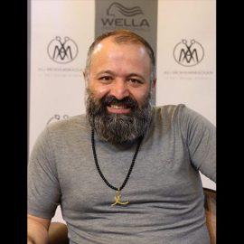 گردنبند طلا برای سید علی صالحی