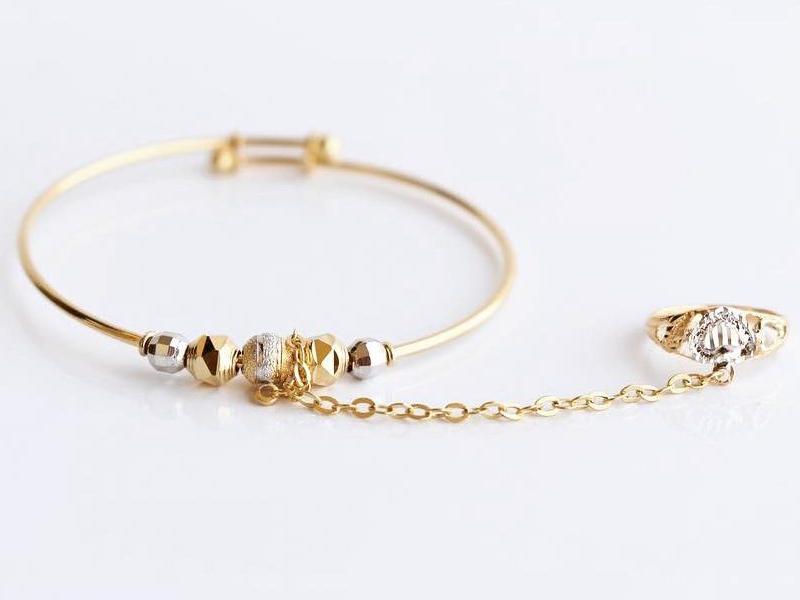 دستبند طلای انگشتر دار برای نوزاد دختر