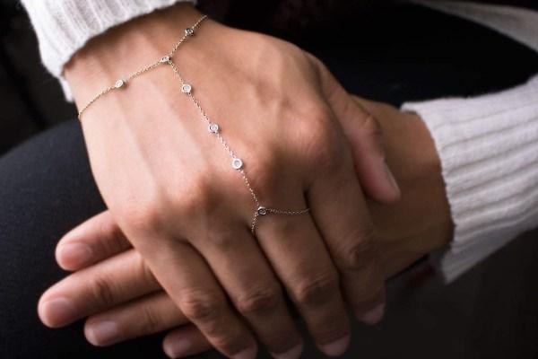 ست انگشتر و دستبند طلا سفید