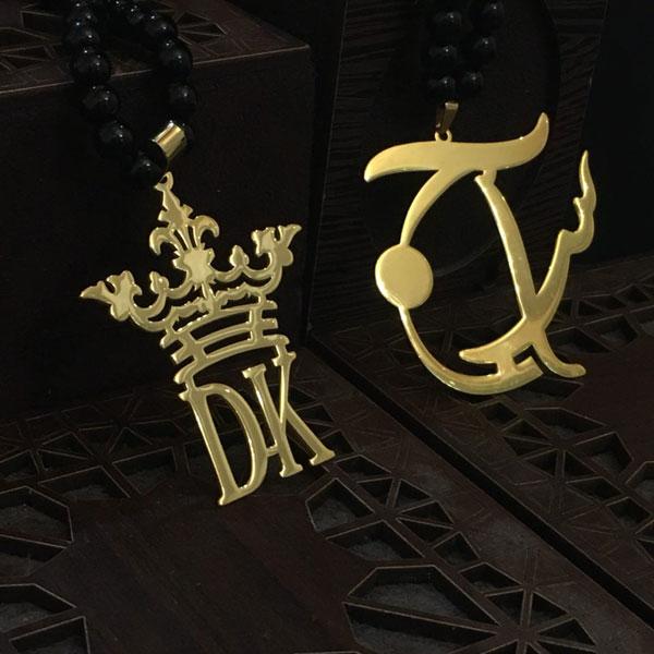 پلاک طلا حروف لاتین