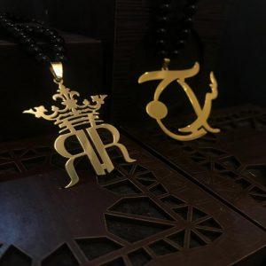پلاک طلا طرح R