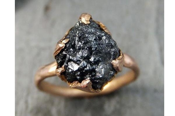تفاوت الماس سیاه با الماس معمولی